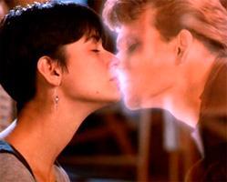Самый нежный поцелуй с красавчиком видео