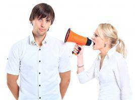 Что делать, если парень игнорирует девушку