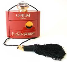 Cводящие с ума ароматы Opium от Yves Saint Laurent и Еscada Аbsolutely me