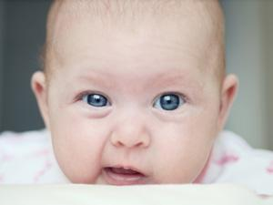 Колики у новорожденных: причины и «колючие» продукты