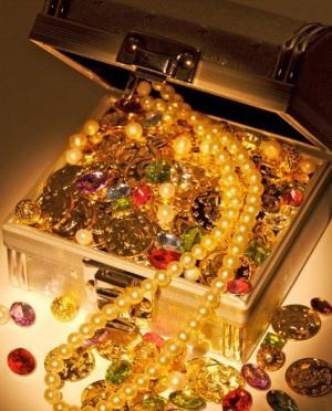 20 самых оригинальных подарков всех времен и народов - Сундук с драгоценностями