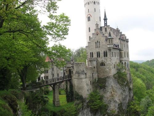 20 самых оригинальных подарков всех времен и народов - Старинный замок