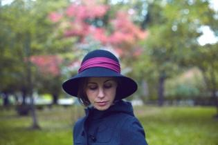 Шляпы с опущенными полями
