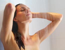 Контрастный душ: как принимать, польза, противопоказания