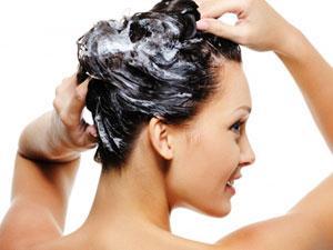 Можно ли мыть голову каждый день и как это правильно делать?