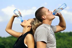 Полезно ли пить много воды?